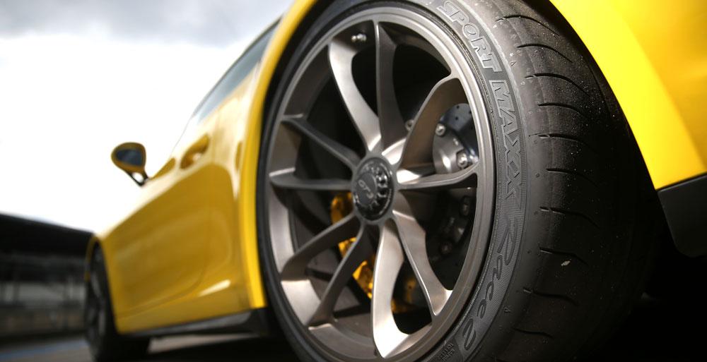 Dunlop Sport Maxx Race 2 on Porsche 911 GT3 Test